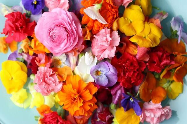 母の日花束華やかな花